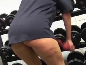 British MILF fucked in gym after workout