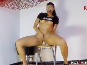Slender Spanish MILF, Lara Tinelli, sticks her favorite Hotgvibe covered...