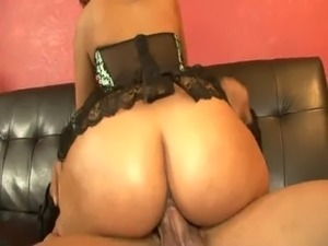 Isis Taylor Bends Over On Floor For Long Black Fucking free