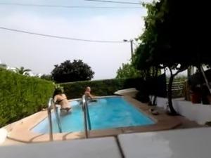 Gostosas na piscina free