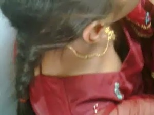 Desi Train Clevage.3GP free