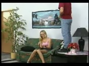 blonde takes piss free