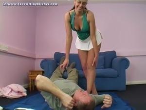 Big booty Emma facesitting free