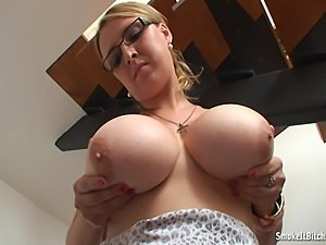 What a great busty babe! And look how she loves smoking! Perfect combination!...