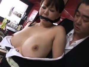 After her father-in-law discovers Waka Kano was sucking her