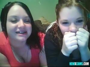 2 girls webcam free