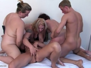 Super home video with four mothers and lucky boy