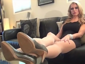 Randy Moore feet tease in pantyhose