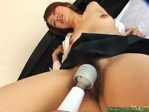 Kaori Asian doll spreads legs for pussy licking enjoyment