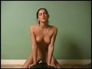 girlfriend enjoys sybian