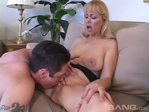 Handsome guy gladly gives the sexy Nicole Moore a good pounding