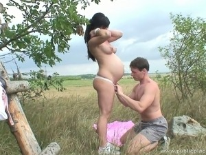 Pregnant woman has some hot outdoor sex