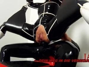 BDSM LATEX ANAL CREAMPIE