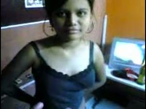 Kinky dark skinned ordinary looking Hindu brunette flashes her titties