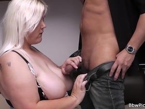 Date sex with blonde plumper