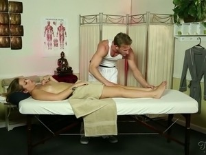 Kinky light haired buxom client repays for massage with nice blowjob