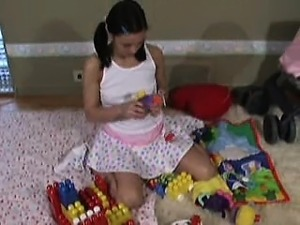 Alyssa Reece in diapers DDLG diapered girl