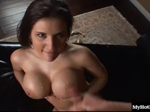 Austin Kincaid wants to feel a hot hunk's hands on her body