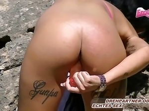 DEUTSCHE EBONY TEEN PUBLIC BEAUTIFUL PUSSY MASTURBATE