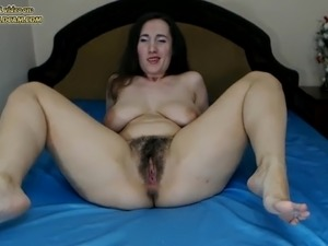 Hairy milf on webcam