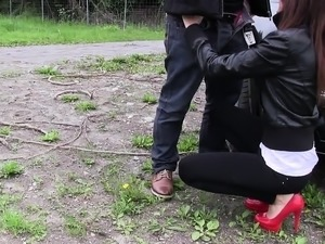 Reality sex in outdoor for cash