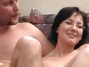 Teen Lisa makes her Boyfriend Mannie to a Cuckold