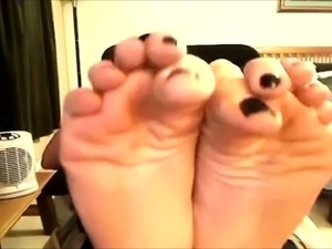 Foot fetish Close up feet and toes tease