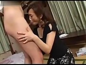 Datingsolo.com - Amazed Japanese Mom Caught Husbands Young Cousin...