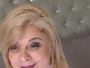 Blonde mature in cam.