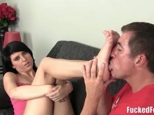 Alt Teen Nikki Nirvana Gives Soft Toe Footjob  at FuckedFeet