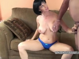 Busty MILF Melissa Swallows gets her mature twat stuffed