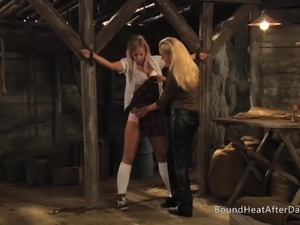Slaves Homecoming: Body Inspection For Lesbian Slave