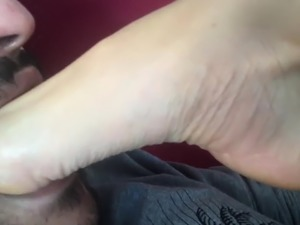 Guy with foot fetish